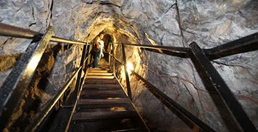 20000 ługów pod Zemley Catacomb Tour 1 1