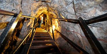 catacomb tour01