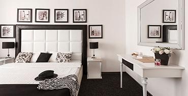 room dlux 2