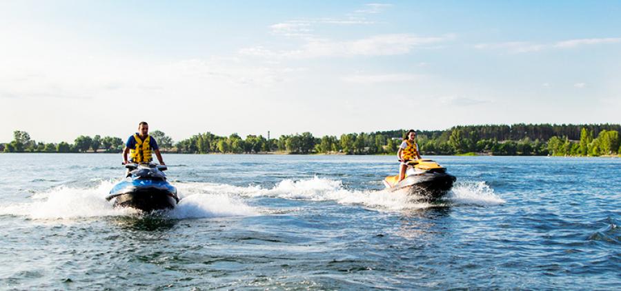Swimming on a jet ski in Kharkov!
