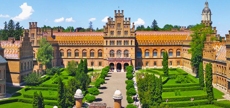 May Bukovina. Chernivtsi, Kamenets, Khotin + tulips!