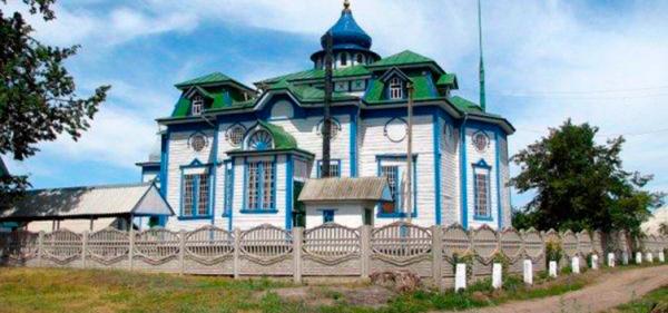 Wooden temple in Berestovenka