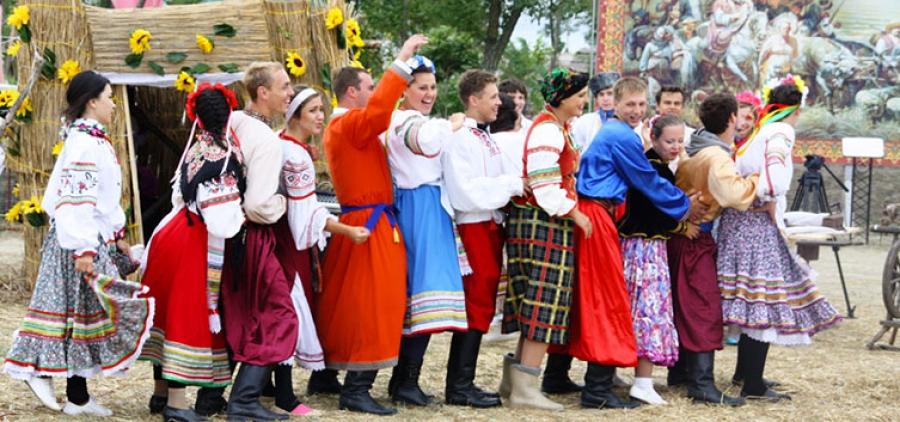 """Festiwal muzyki folklorystycznej """"Wesele w Malinowej +"""""""