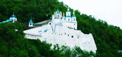 Under Tabor, above the Donets. Svyatogorsk Lavra - Raisins