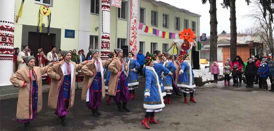 Zabawne uroczystości w Dikance. Tydzień naleśników w Połtawie