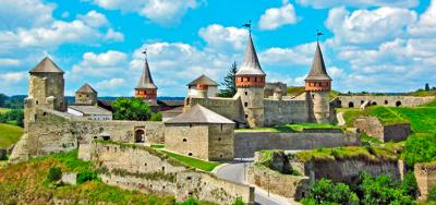 Miasto warowne, miasto muzeów! Wycieczka do Kamieńca Podolskiego