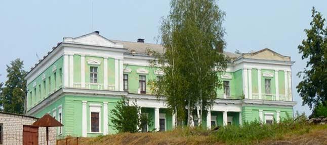 Dwory w regionie Charkowa. Wiśniowe sady
