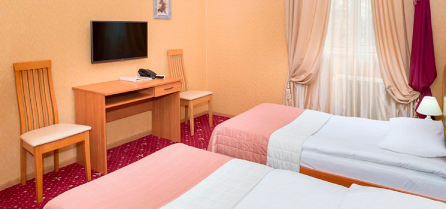 Odessa from Kharkov. Hotel & quot; Lermontovsky 3 * & quot;